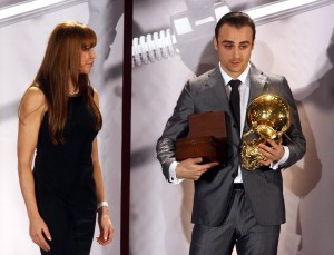 Berbatov Receiving One of Many Awards