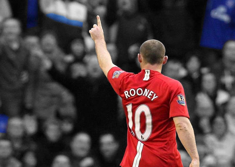 Rooney leads United renaissance at Everton