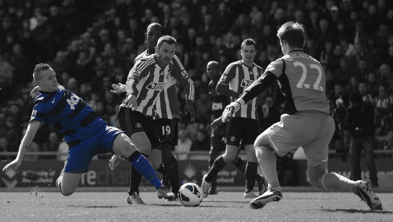 Alex Buttner v Sunderland